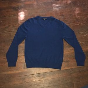 "Blue ""Bloomingdale's"" Sweater. Size Large. Men's."